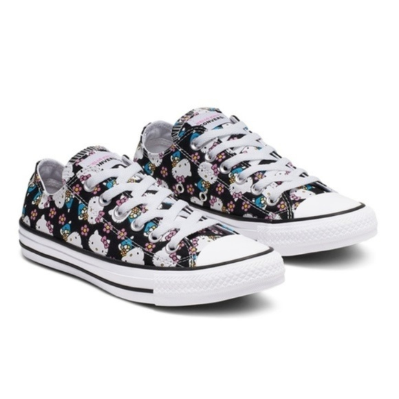 Sz 8 Hello Kitty x Converse Shoes All Over Print NWT